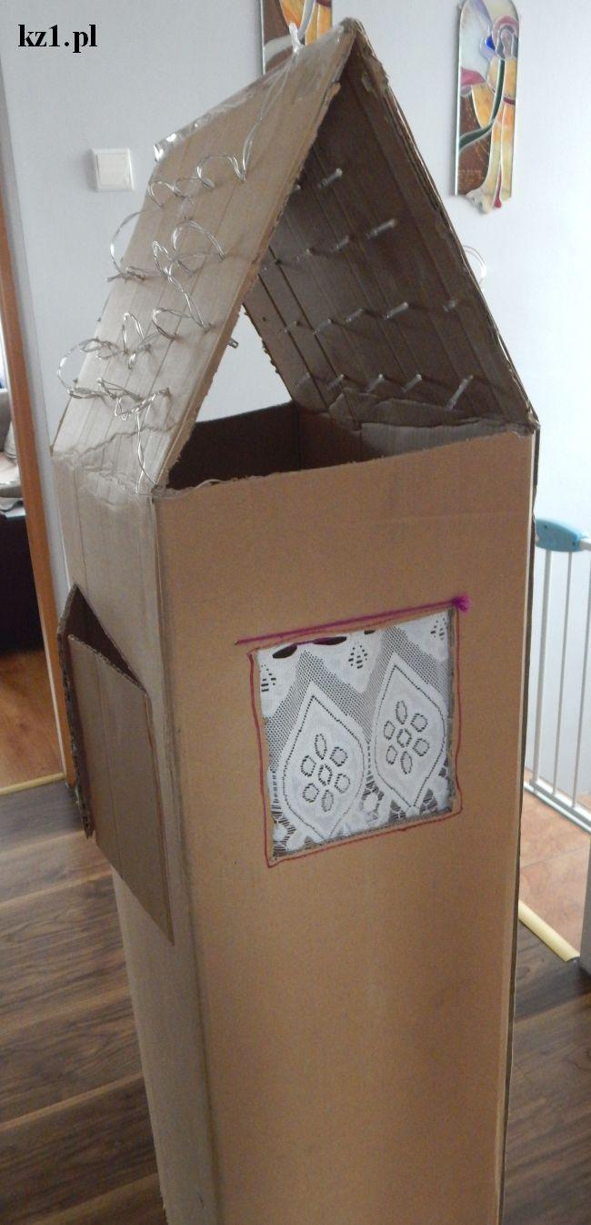 firanki w domku z kartonu