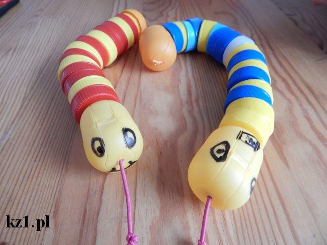 węże z nakrętek