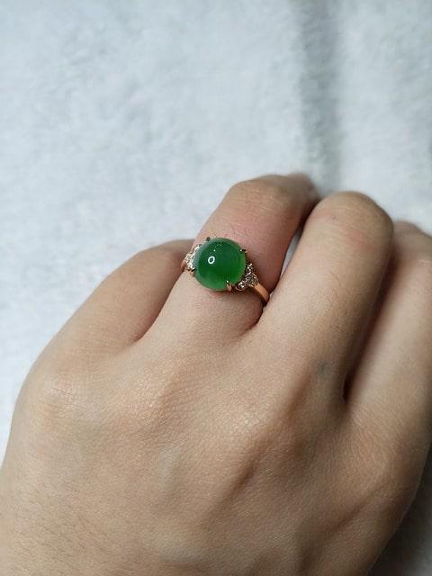kamień szlachetny jadeit