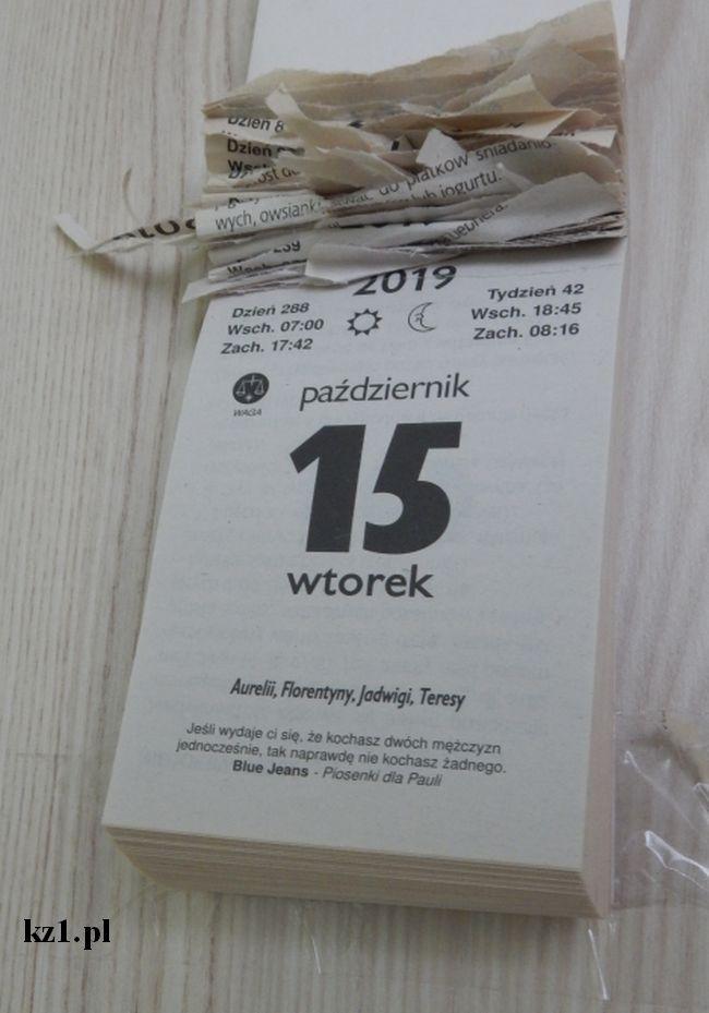 kalendarz z odrywanymi kartkami