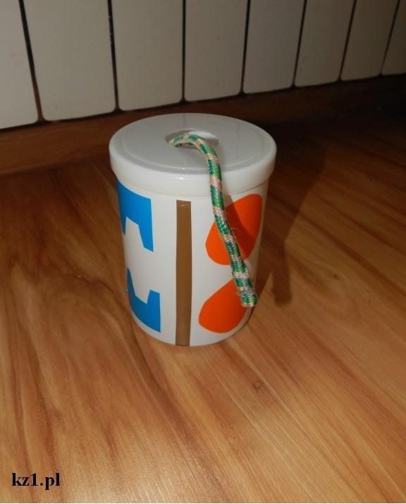pudełko z niekończącym się sznurkiem