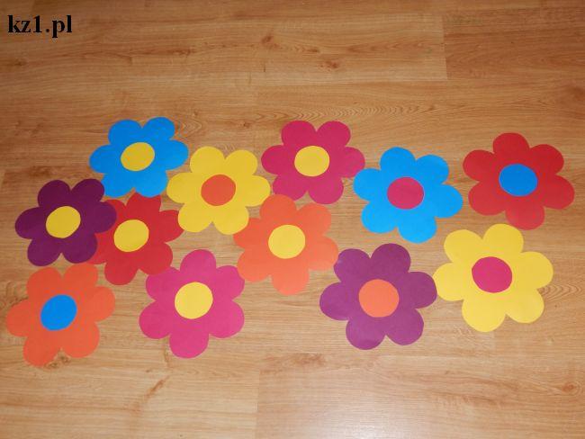 kwiaty z kolorowego papieru