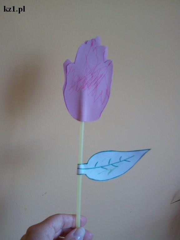 laurka kwiatek z dłoni