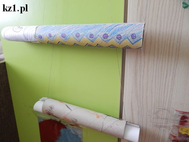 tutka po ręczniku kuchennym na prace dziecka
