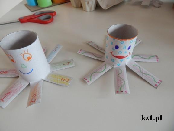 ośmiornica z rolki papieru