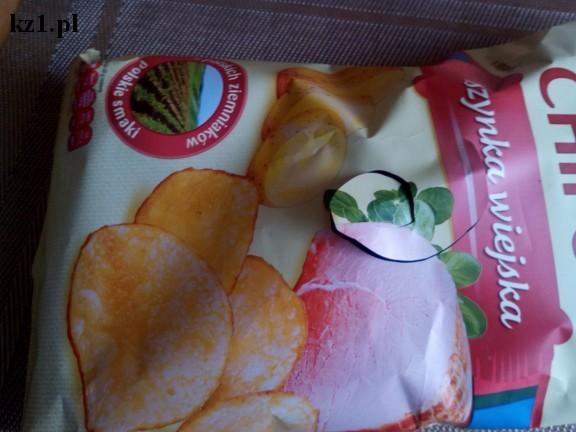 otwieranie paczki chipsów
