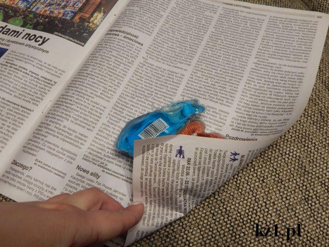 gazeta jako papier do prezentów