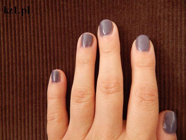 paznokcie hybrydowe zrobione w domu