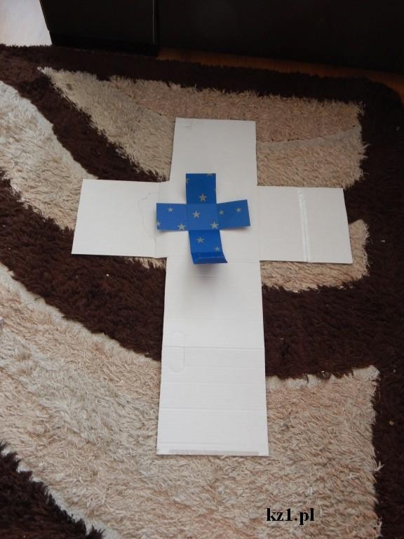 pudełka w kształcie krzyża