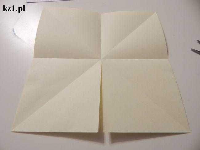 tworzenie domku z kartki papieru