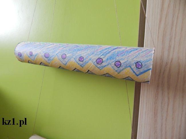 rulon po ręczniku papierowym