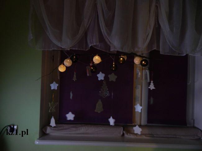 dekoracja okna na boże narodzenie