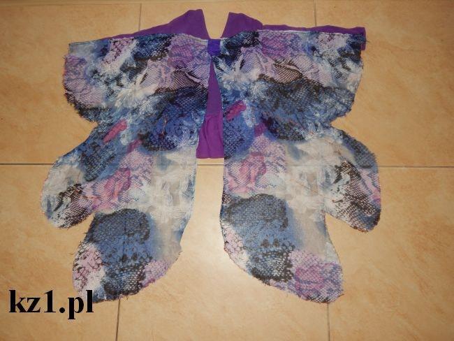 skrzydła motyla przy stroju