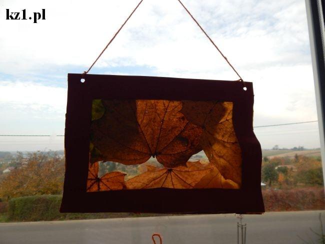 jesienny witraż z liści