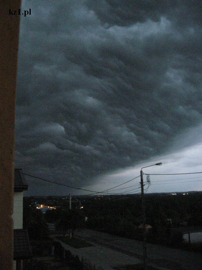 burzowe chmury