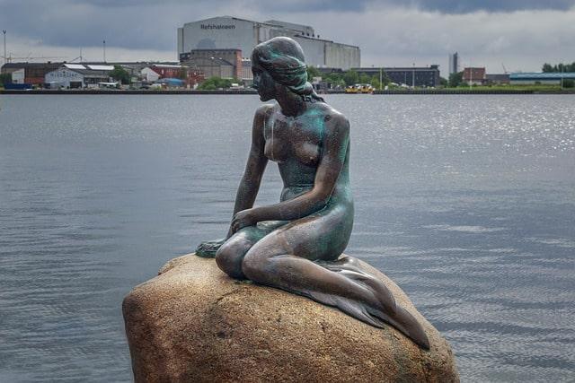 pomnik w Kopenhadze - mała syrenka