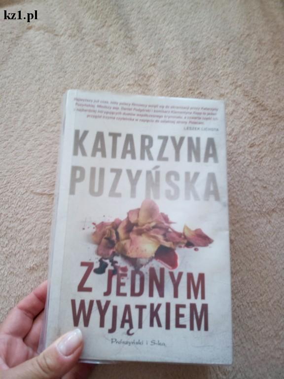 książka Z jednym wyjątkiem Katarzyna Puzyńska