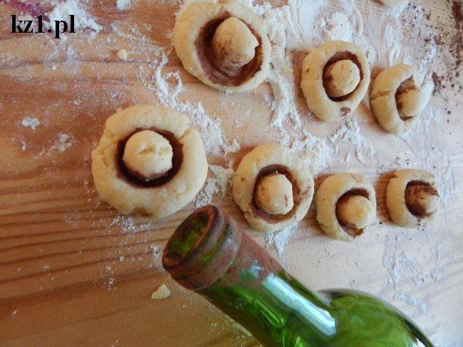 ciasteczka kruche w kształcie grzybków