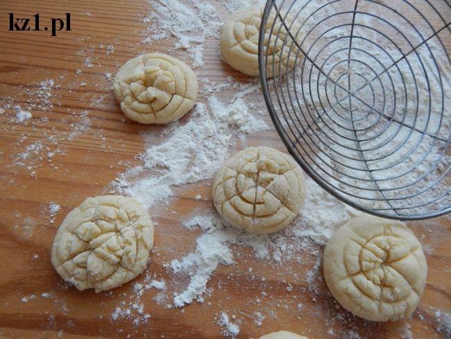 ciasteczka kruche w kształcie pajęczynek