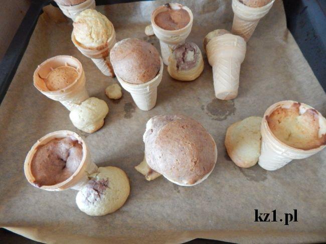 babeczki upieczone w waflach do lodów