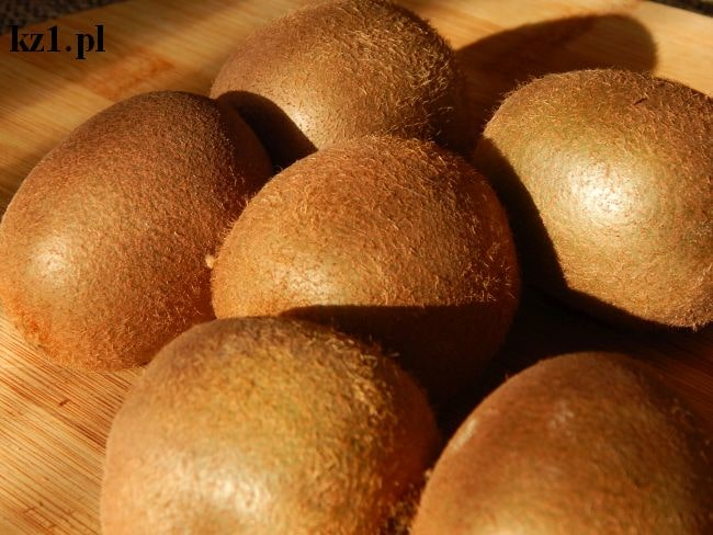 kiwi owoce