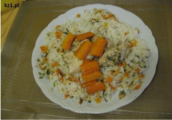 ryz z warzywami i kurczakiem