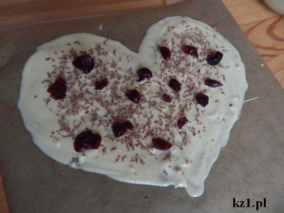 serce z białej czekolady na prezent