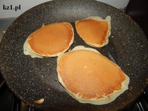 smażenie pancakesów