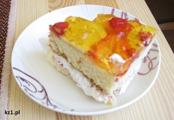 tort z owocami