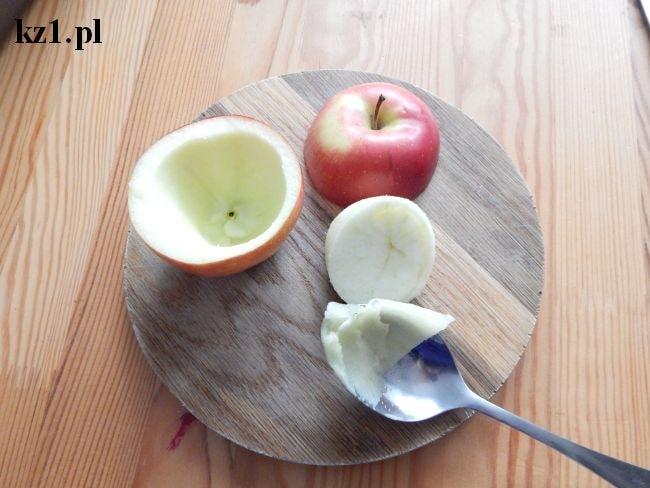 wydrążone jabłko