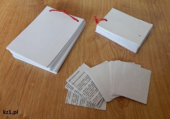 notesy z zadrukowanych kartek po jednej stronie