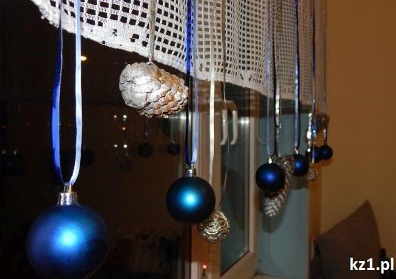 dekoracja okna świąteczna
