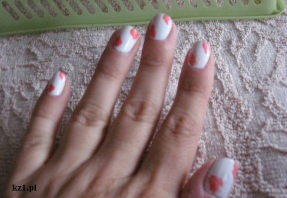 plamkowe paznokcie