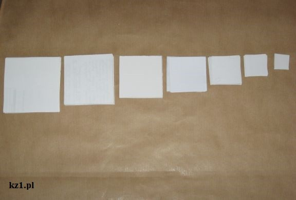 kwadraciki z kartek papieru