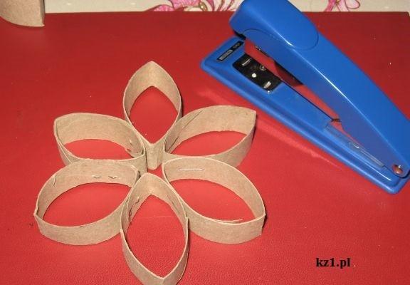 kwiat z rolki po papierze