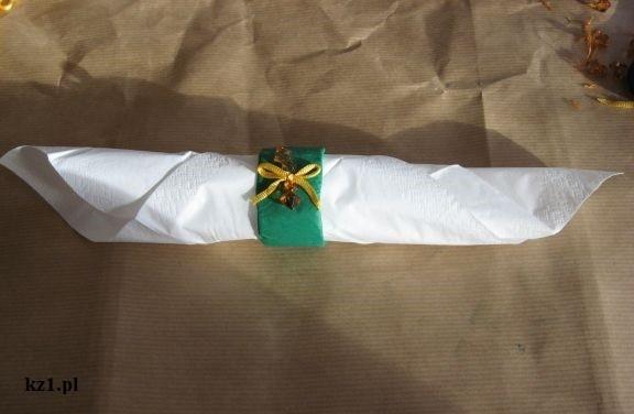 obrączka na serwetkę zielona z kokardką