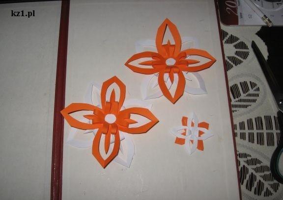 dwukolorowe kwiaty origami