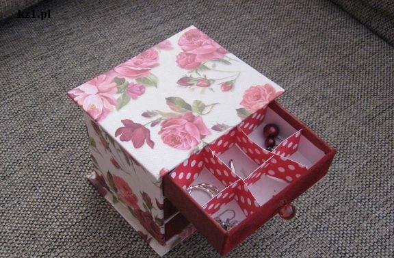 wysunięta szuflada