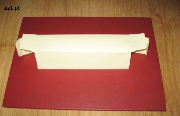 wąskie pudełko