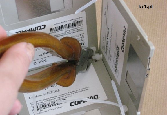 obcinanie trytytek cęgami