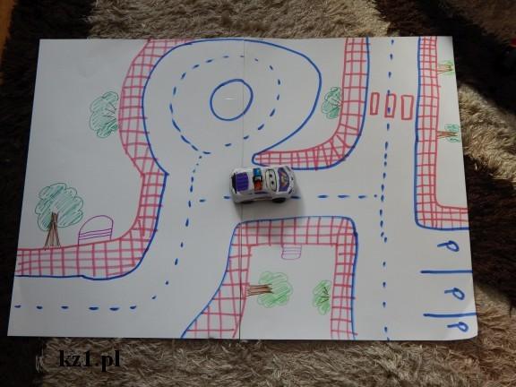 rysunek ulicy drogi do zabawy małymi samochodzikami