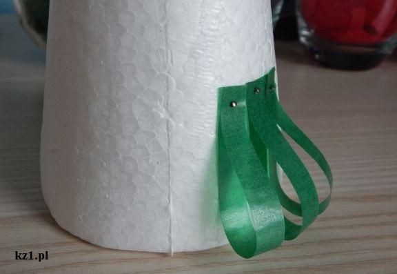 zielone paski na styropianie