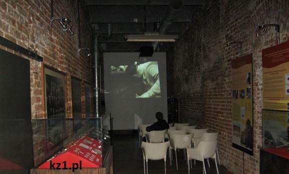 film wyświetlany w muzeum fabryki w lodzi