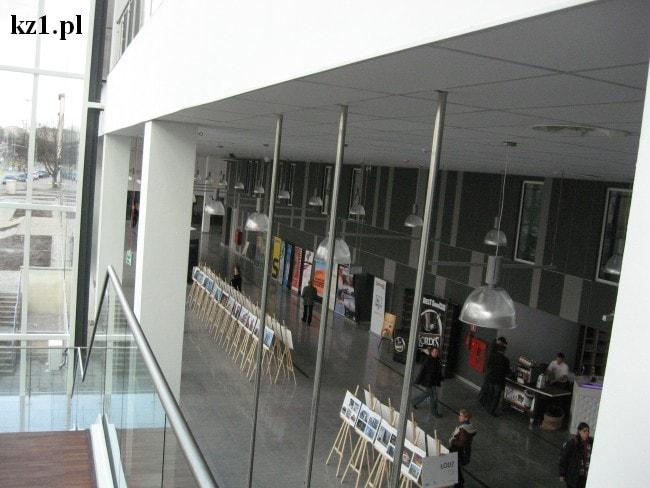 widok na korytarz w hali expo w łodzi