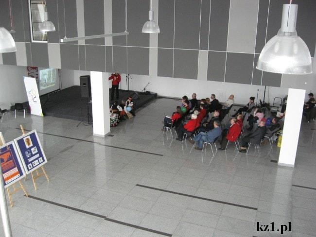 konferencja w auli hala expo