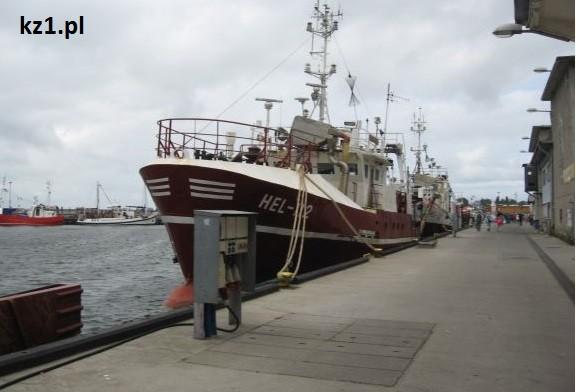 statek w porcie na Helu