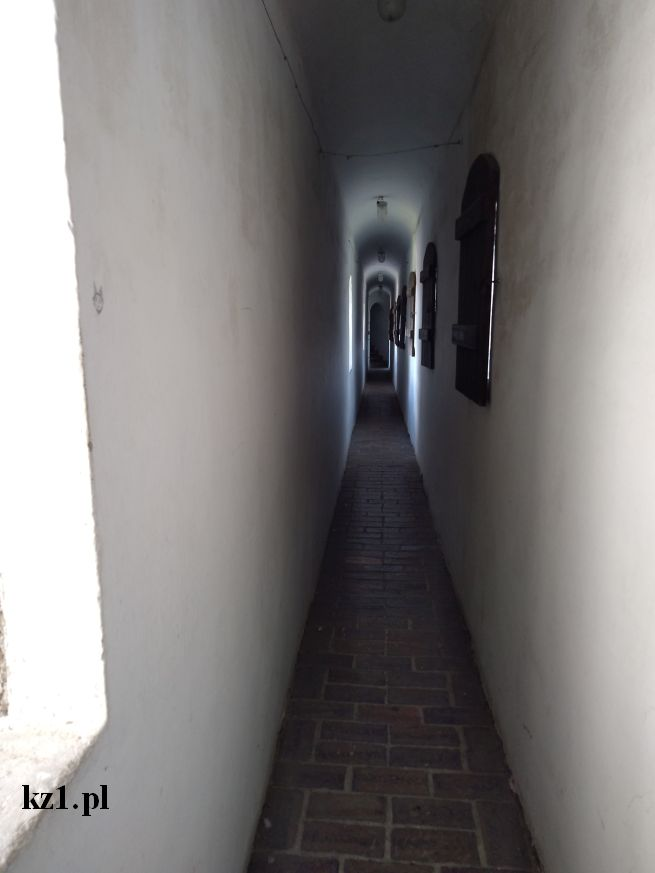 korytarz na zamku w łęczycy