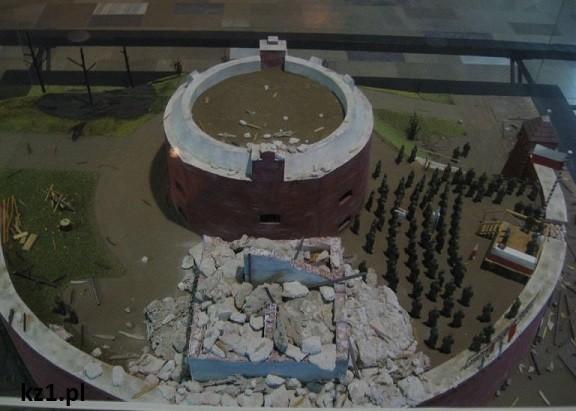 makieta bitwy w kołobrzegu i zrujnowanej latarni