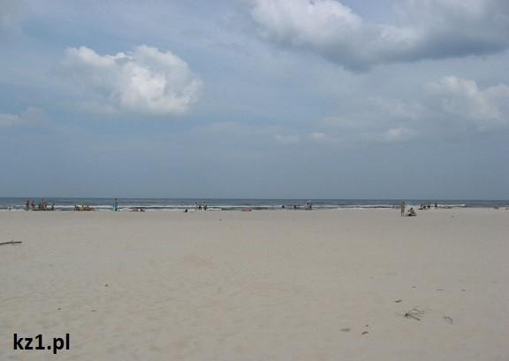 wydmy i morze bałtyckie