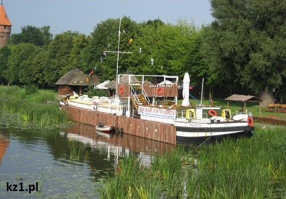 bar na łodzi